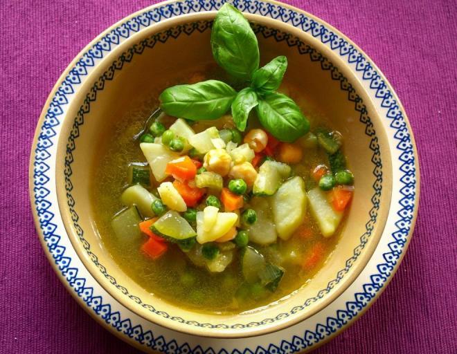 Grønnsakssuppe minestrone